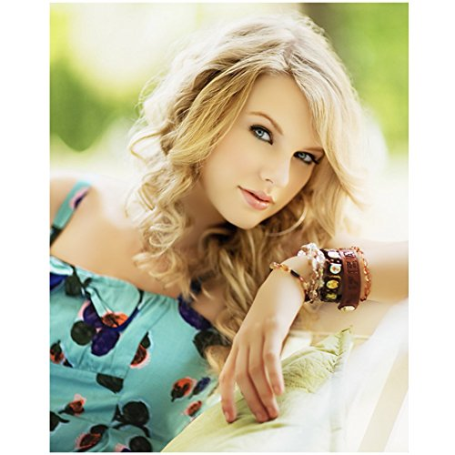 most beautiful woman in the world taylor swift